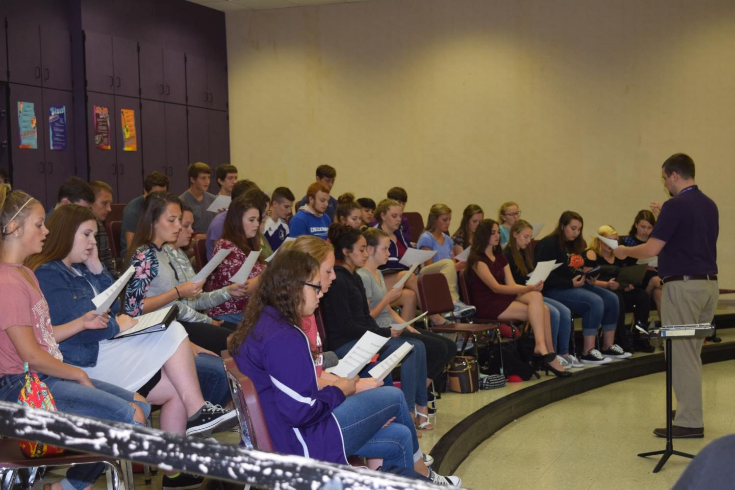 Show+Choir+or+Chorale++practicing+sight+reading+for+State+Qualifiers.+