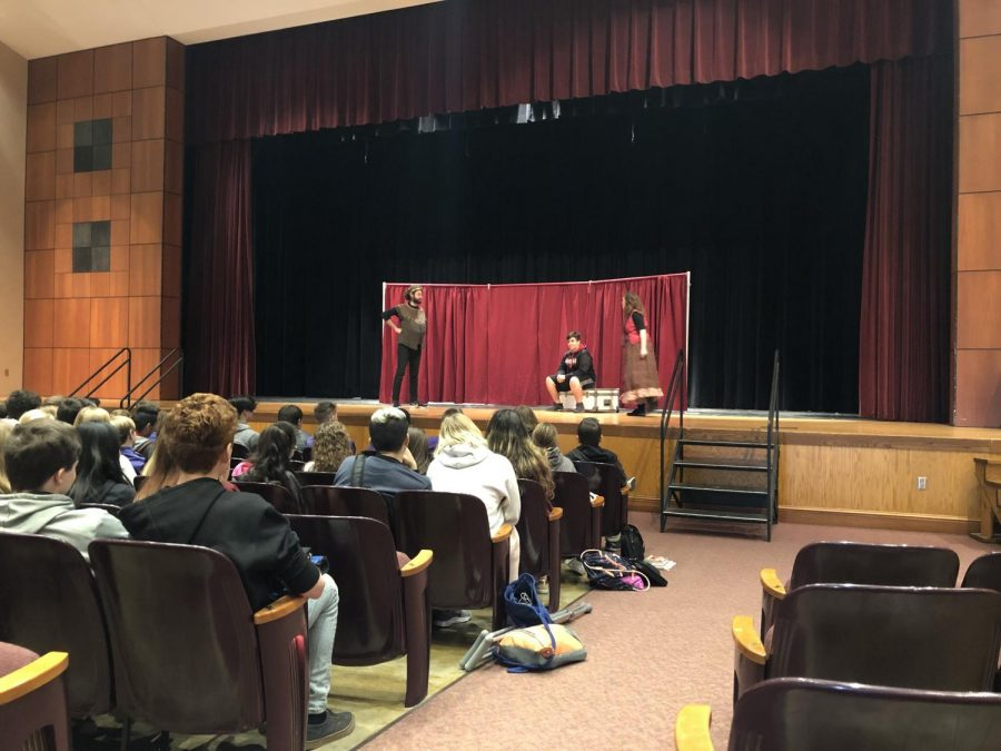Professional Theater Company Kentucky Shakespeare Visits SHS
