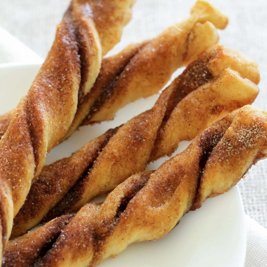 Cinnamon​ ​and​ ​Sugar​ ​Crescent​ ​Rolls