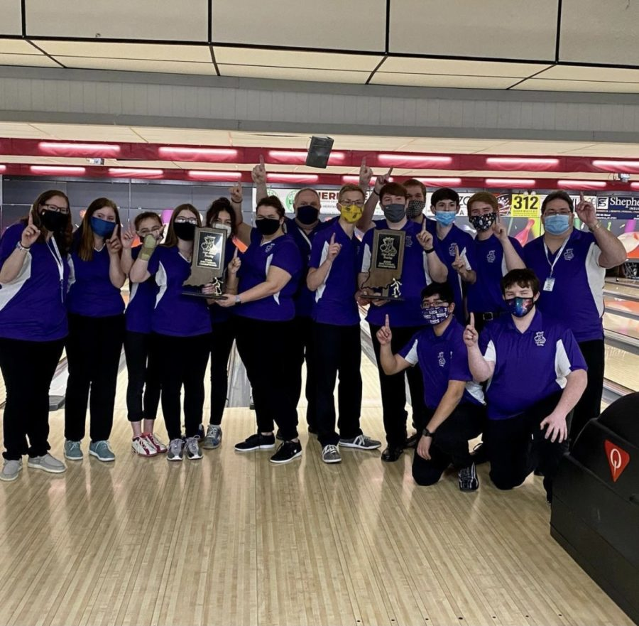 Seymour bowlers win sectional title