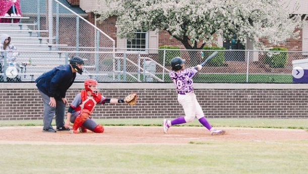 Owls Baseball Wins High-Scoring Affair